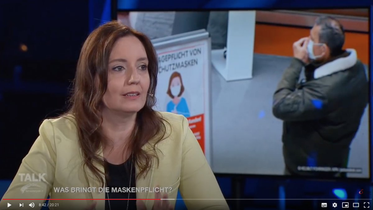 Sabine Roßmann, Mitbegründerin der Initiative, beim Talk im Hangar zum Thema: Was bringt die Maskenpflicht